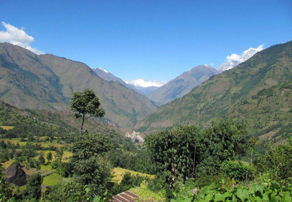 Karmalaya_Apfelernte-Annapurna-Workcamp5