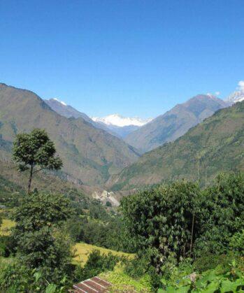 Wälder und Felder im Annapurna-Gebirge