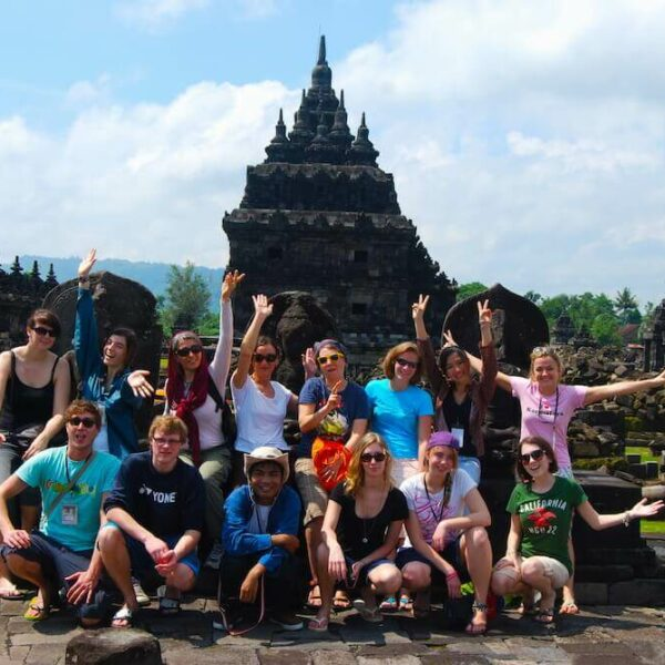 Tempelworkcamp_Indonesien_Karmalaya