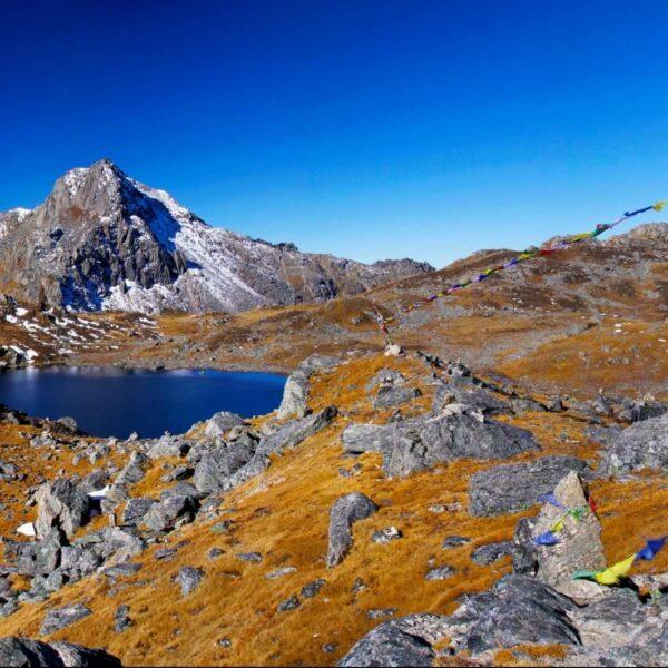 Berglandschaft mit einem Bergsee