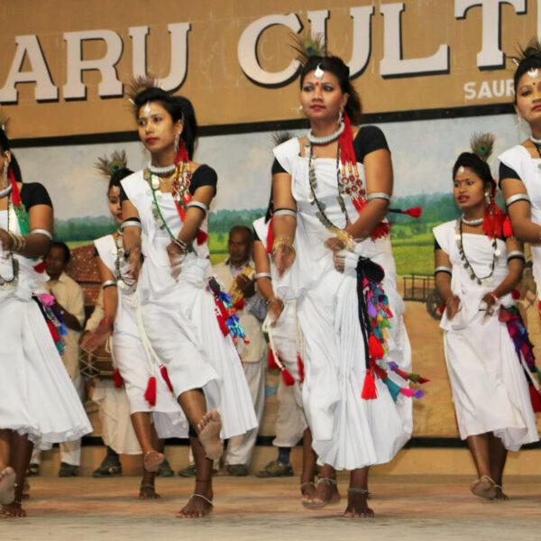 Tharu-Frauen