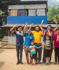 Karmalaya-Team Nepal vorm Farming-Haus Gaujini