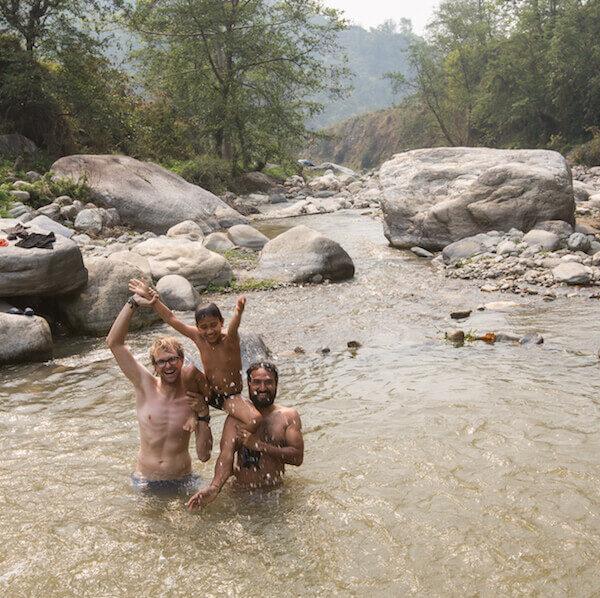 Erfrischung im Fluss