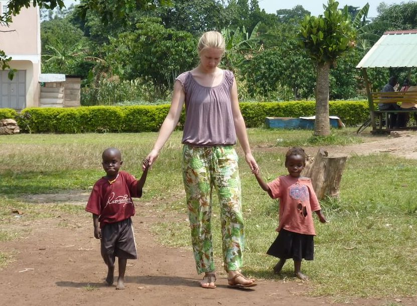 Volontärin im Karmalaya Childcare Center in Zentraluganda