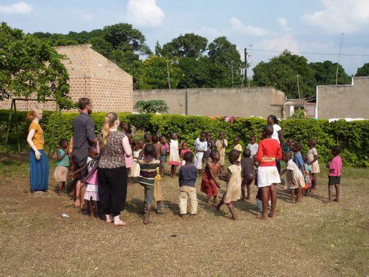 Freiwilligenarbeit im Karmalaya Kinderbetreuungsprojekt in Zentraluganda