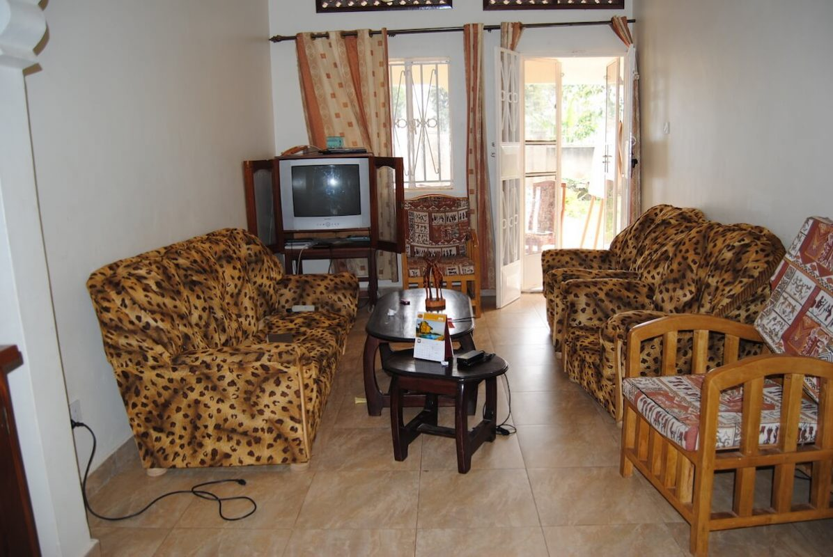 Wohnzimmer des Karmalaya-Volontärhauses in Kampala.