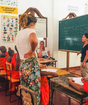 Volontäre im Klosterprojekt Sri Lanka