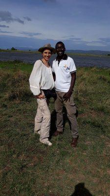 Karmalaya Reisende mit Guide in Uganda