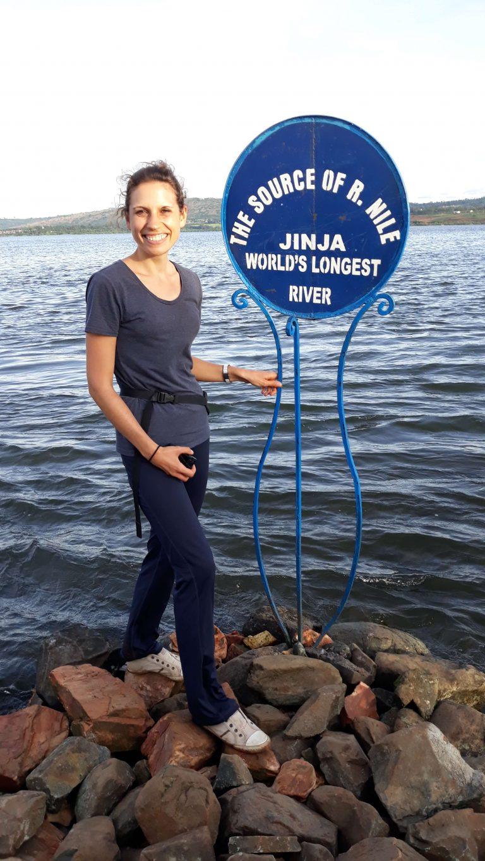 Reisende an der Quelle des Nils in Uganda