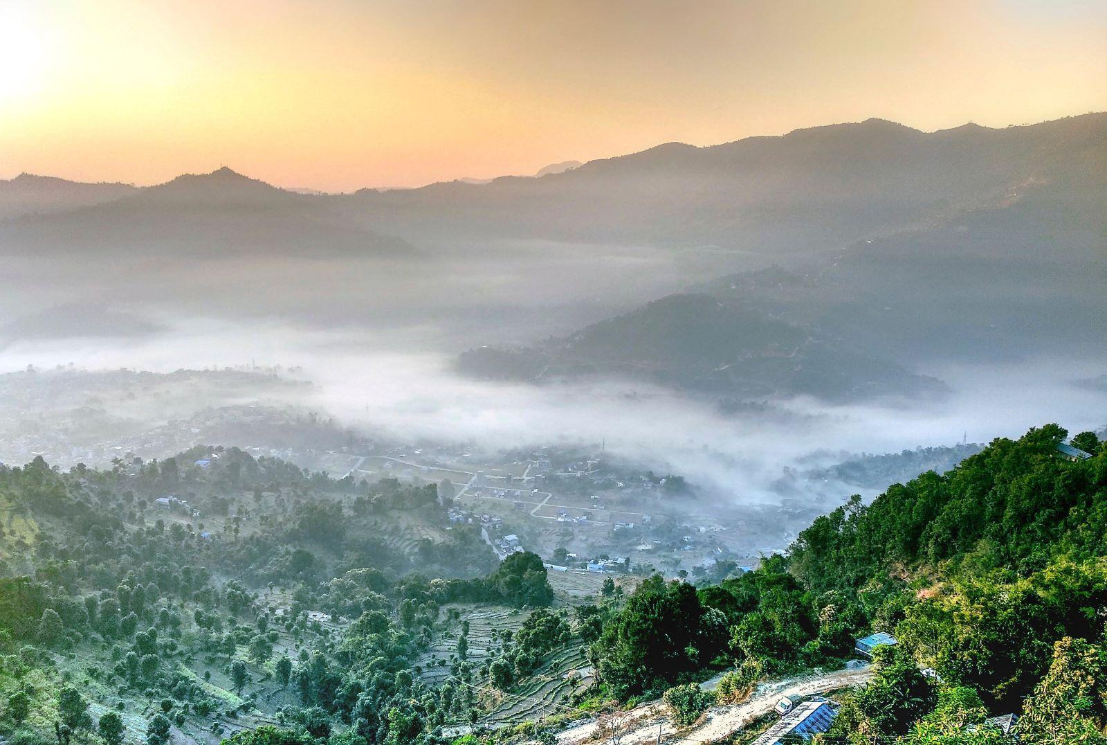 Ausblick von der Friedensstupa in Pokhara
