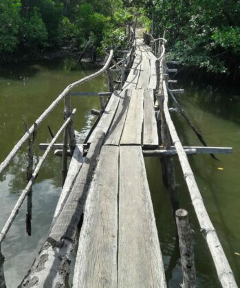 Bridge on a lake on Palawan island