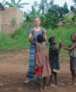 Volontärin im Auslandsprojekt in Uganda