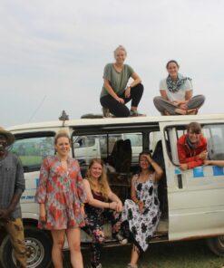 Reisen vor Safari-Bus in Uganda