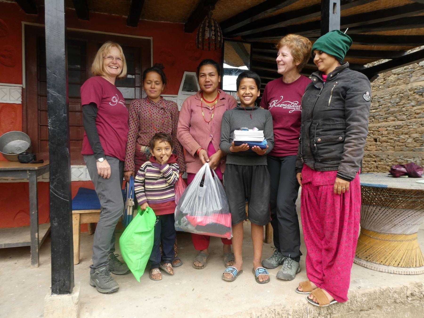 Volontärin im Bergdorf in Nepal