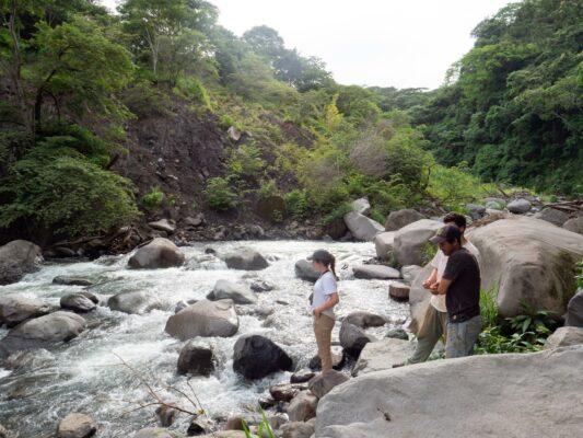 Freizeit am Fluss in Costa Rica